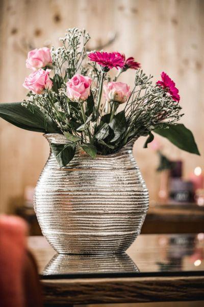 Bauchige Vase in Silber aus Metall
